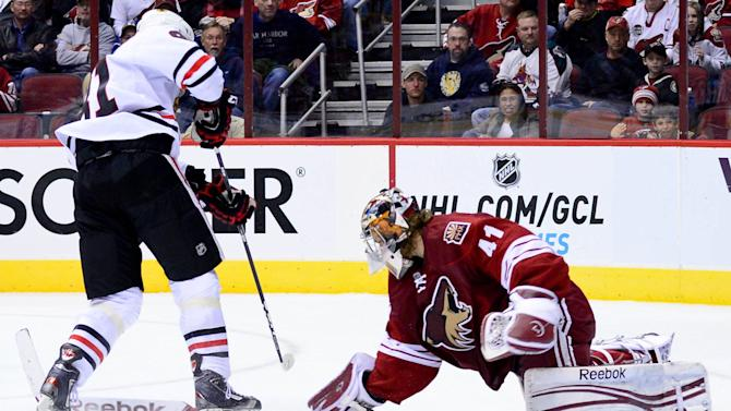NHL: Chicago Blackhawks at Phoenix Coyotes