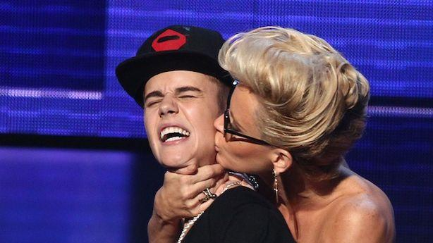 Justin Bieber Violated by Jenny McCarthy, Lives