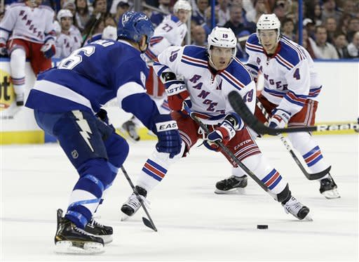 Nash scores go-ahead goal in Rangers' 3-2 win