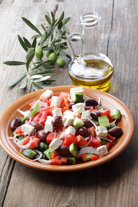 Pouring fat-free dressing on your salad may limit its health benefits. Instead, a new study suggests choosing an olive oil or canola oil based dressing