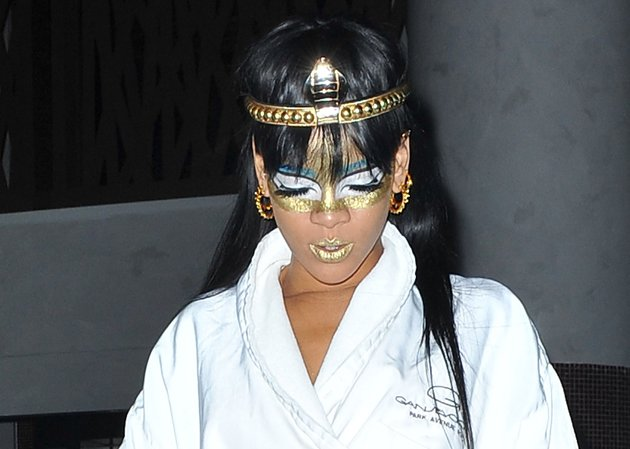 Rihanna, Egyptian makeup