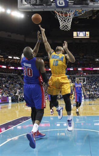 Vasquez leads Hornets past Pistons 100-95