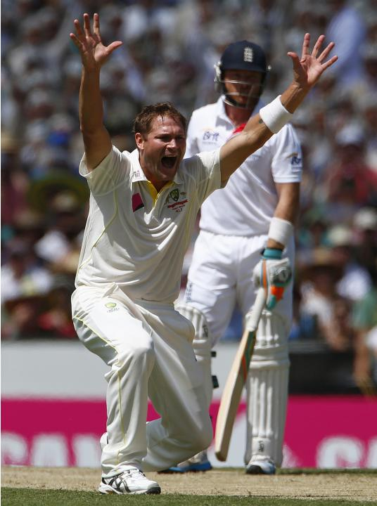 Australia's Harris appeals for an unsuccessful wicket of England's Bell during the second day of the fifth Ashes cricket test at the Sydney cricket ground