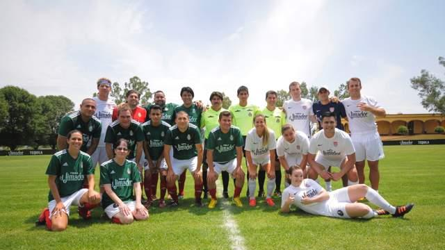 Fans get chance to play with USA, Mexico soccer idols at Jimi Cup