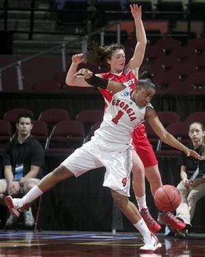 Marist women eliminate Georgia with 76-70 victory