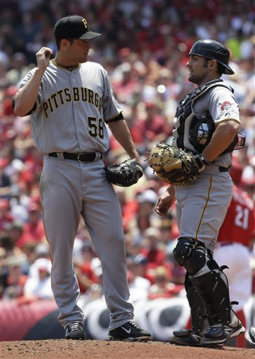 Alvarez drives in 5, Pirates beat Reds 5-3