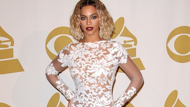 Beyonce's Sexy, Revealing Grammys Dress Was a Size 2! (ABC News)