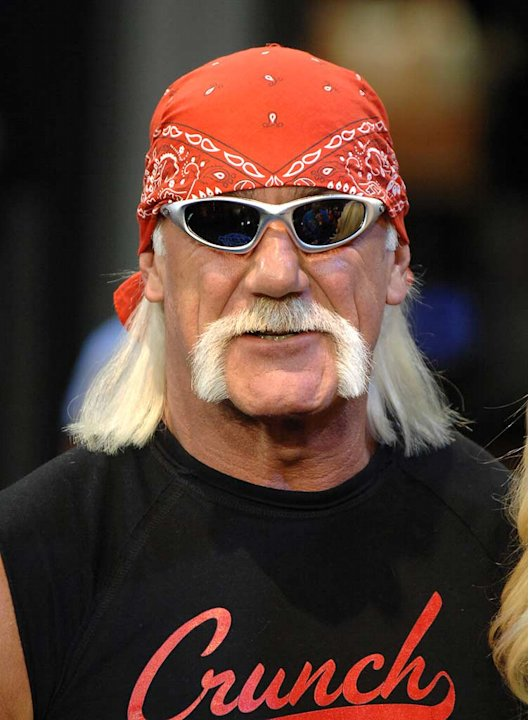 Hulk Hogan visits MuchOnDemand - December 4, 2006. 
