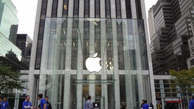 Apple Stores reportedly in the midst of 'significant layoffs' in U.S., Canada and U.K.