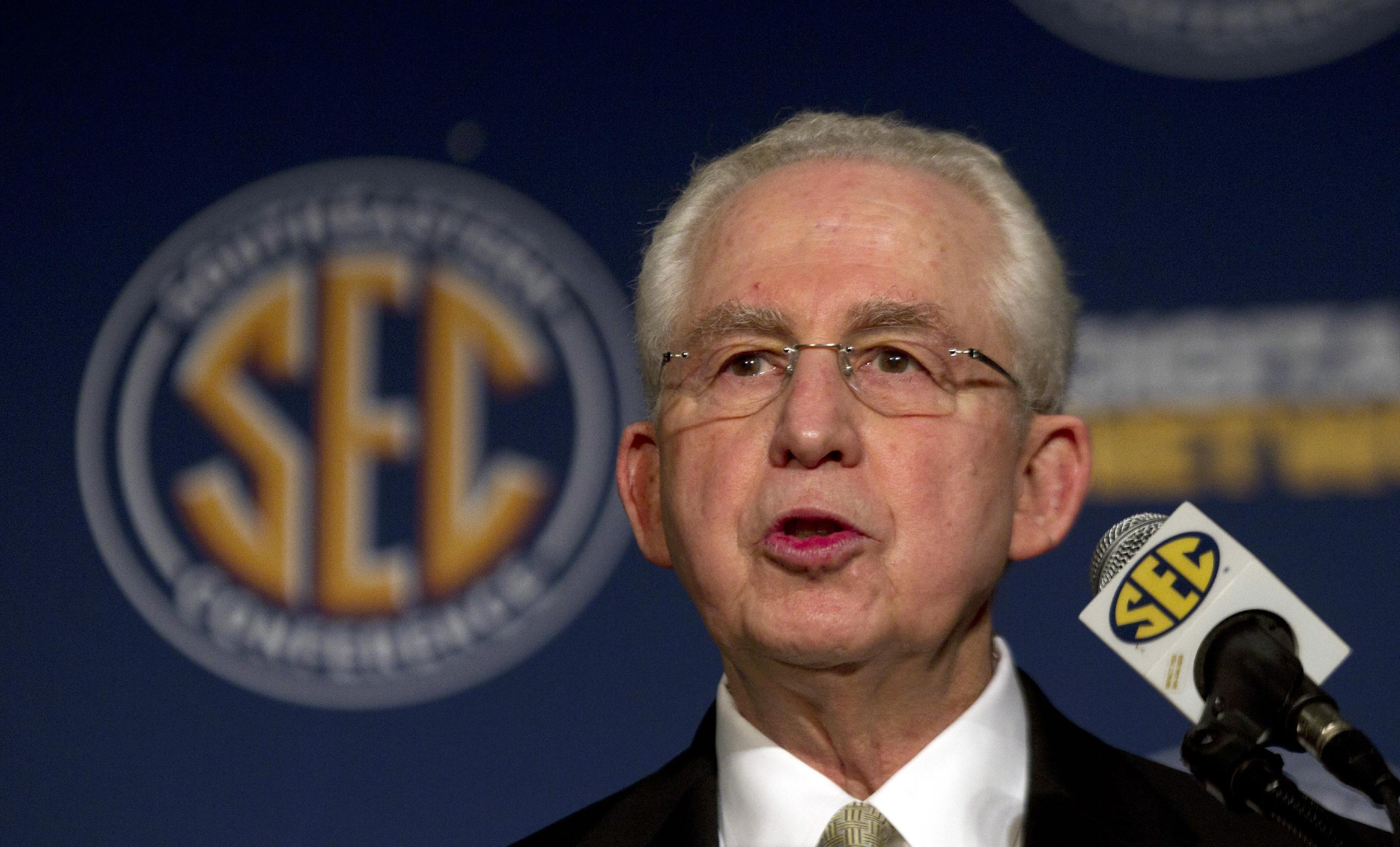 SEC commissioner Mike Slive speaks out on freshmen ineligibility