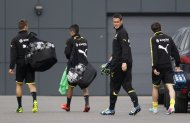 Borussia Dortmund's Sebastian Kehl (2R) and team mates arrive for a training session in Dortmund May 23, 2013. German Bundesliga soccer clubs Borussia Dortmund and Bayern Munich will play in the Champions League final at Wembley in London on May 25, 2013. REUTERS/Ina Fassbender (GERMANY - Tags: SPORT SOCCER)