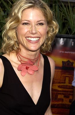 Julie Bowen at the New York premiere of Touchstone's Signs