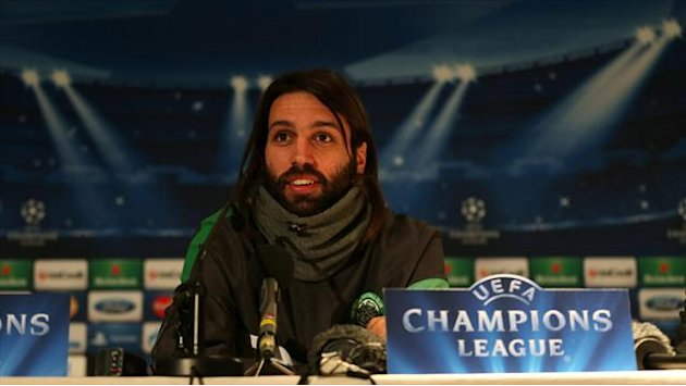 Football - Samaras wants vigilant ref