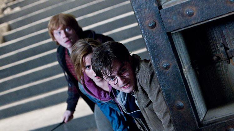 Harry Potter and the Deathly Hallows Part 2 Stills Warner Bros. pictures 2011 Rupert Grint Daniel Radcliffe Emma Watson