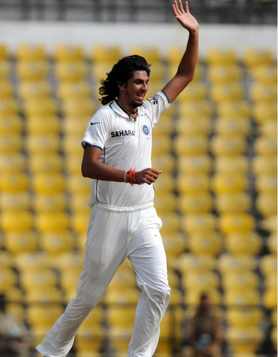 Ishant Sharma celebrates the wicket of Nick Compton on Day 1 of the fourth cricket Test match between India and England at the Jamtha Stadium in Nagpur, December 13, 2012. (BCCI)