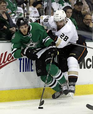 Stars even with Ducks after 4-2 win in Game 4
