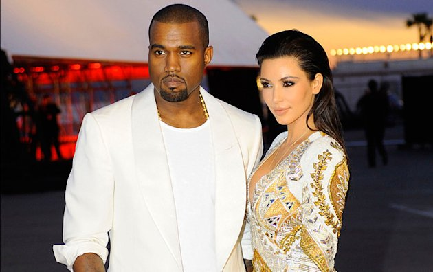 Kim Kardashian & Kanye West : Black or white