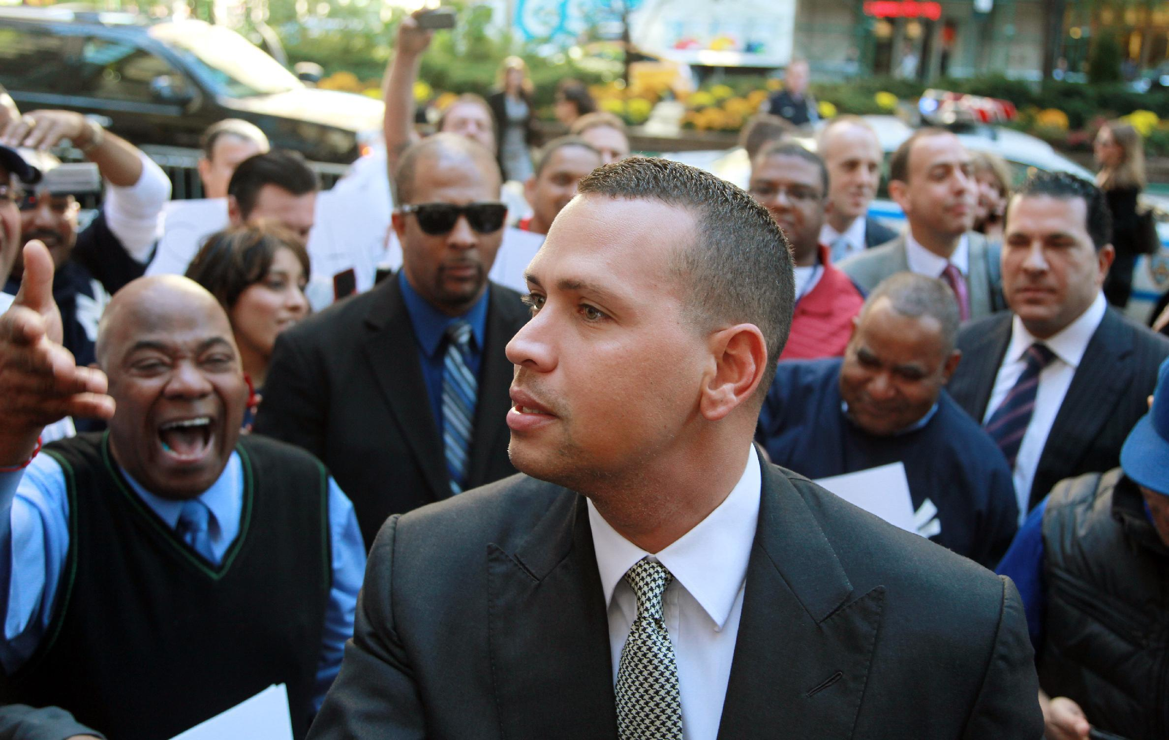 Alex Rodriguez's cousin, Yuri Sucart, pleads guilty in Biogensis case