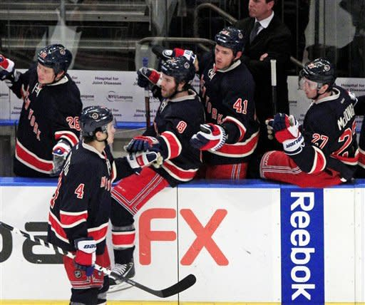 East-leading Rangers win 4th straight