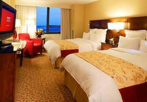 Take Advantage of Park Here, Fly There Rates at Hotel Near LaGuardia Airport