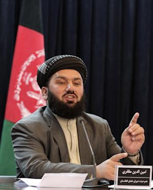 Aminullah Muzafery, a member of the Afghan delegation at peace talks between Pakistani and Afghan clerics,  speaks during a press conference in Kabul, Afghanistan, Tuesday, Feb, 12, 2013. Pakistani clerics threatened Tuesday to boycott a peace conference slated to be held in Kabul after disputes with a visiting Afghan delegation, underlining the persistent distrust that has long marred the relationship between the two countries.(AP Photo/Ahmad Jamshid)
