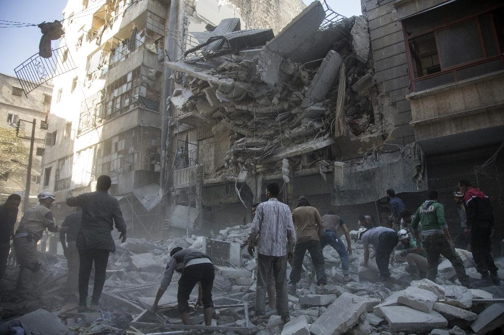 UN envoy says Syria talks 'very difficult with bombs falling'