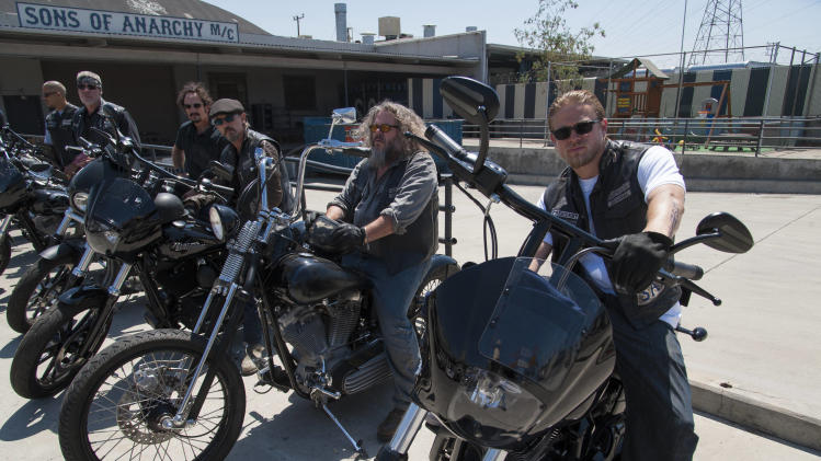 "This undated image released by FX shows, from left, David Labrava as Happy, Ron Perlman as Clarence 'Clay' Morrow, Kim Coates as Alex 'Tig' Trager, Tommy Flanagan as Filip 'Chibs' Telford, Mark Boone Junior as Robert 'Bobby' Munson, Charlie Hunnam as Jackson 'Jax' Teller from the FX series, ""Sons of Anarchy."" (AP Photo/FX, Prashant Gupta)"