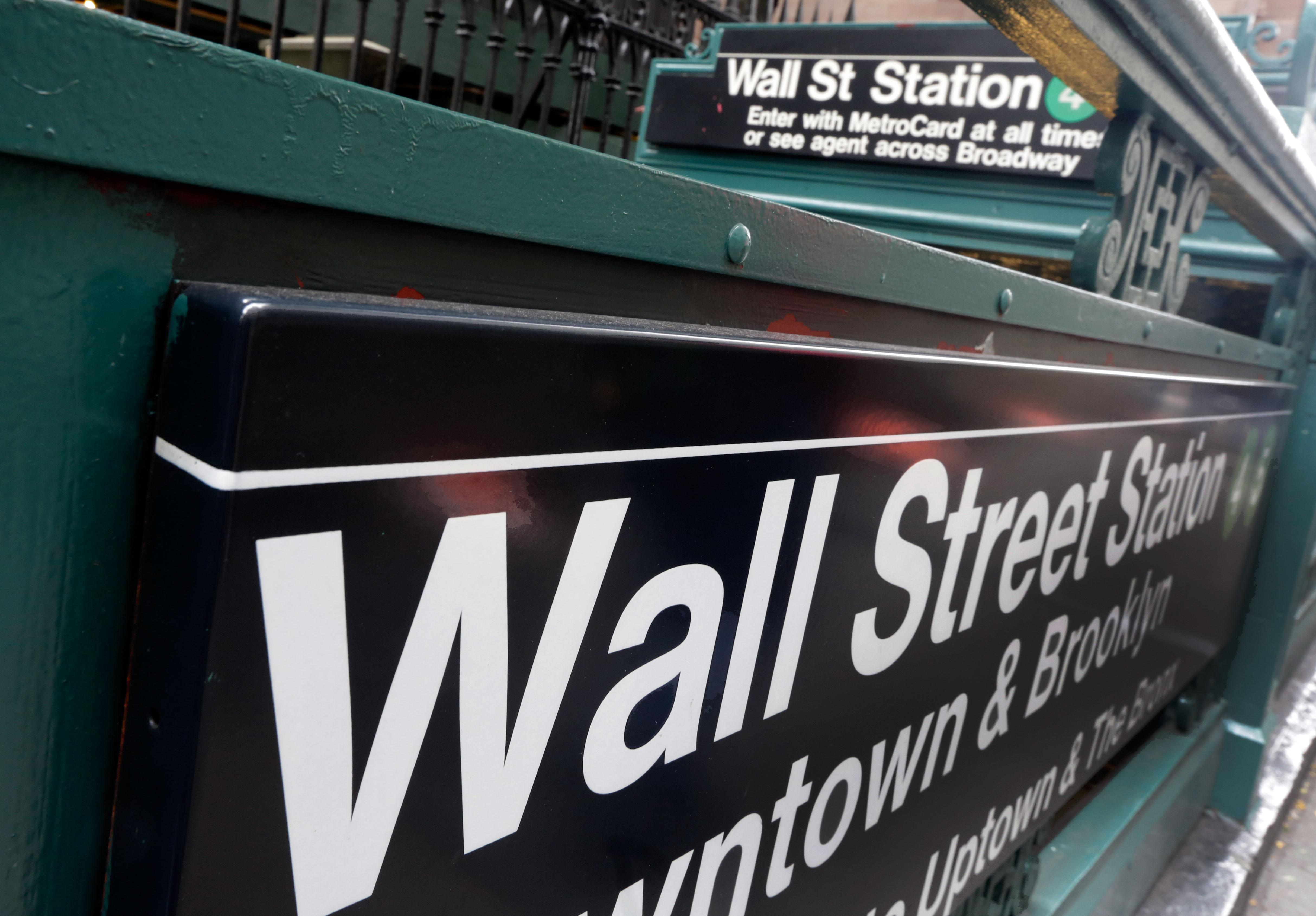 Stocks rise on tech earnings; Nasdaq adds to record