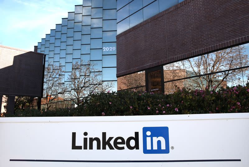 LinkedIn agrees to settle unwanted email lawsuit