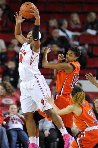 No. 9 Georgia women hold off Auburn 61-58