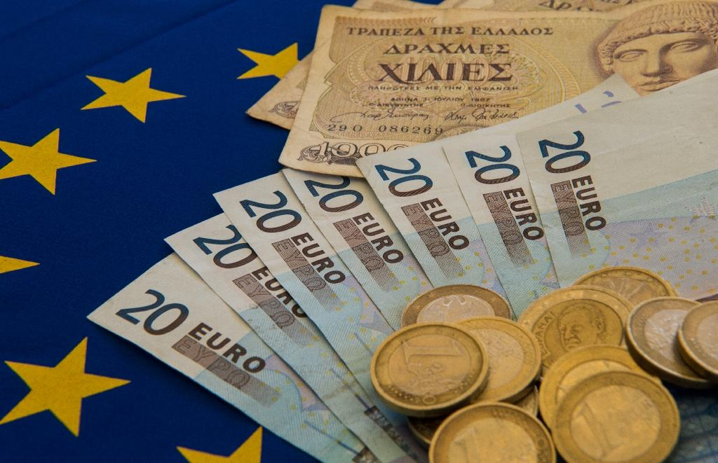 Greek tax evasion, smuggling 'costs up to 20 bn euros a year'