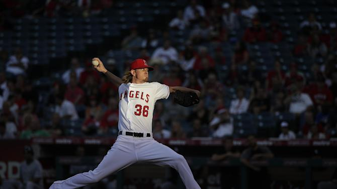 Pujols, Weaver send Angels over White Sox 8-4