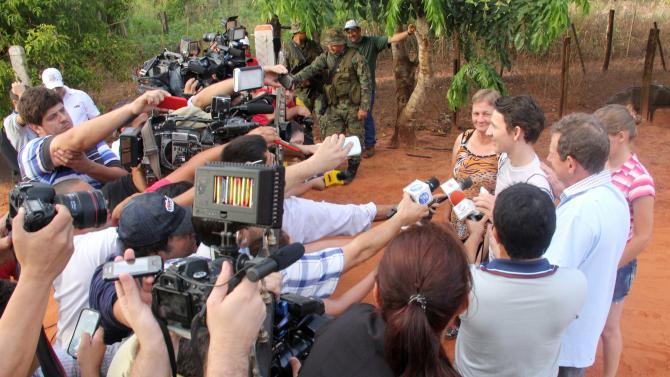 Arlan Fick gives a press conference in Paso Tuya