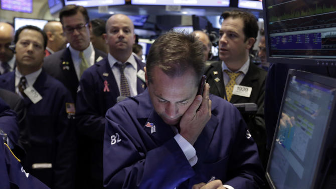 Stock market falls as traders fear stimulus cuts