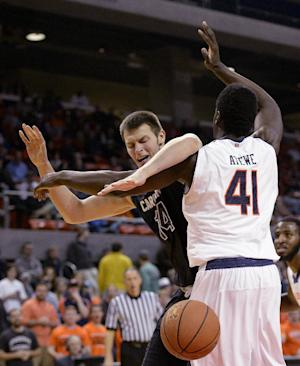 Auburn rolls past South Carolina, 83-67