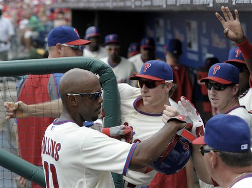 Young gives Phils split against White Sox