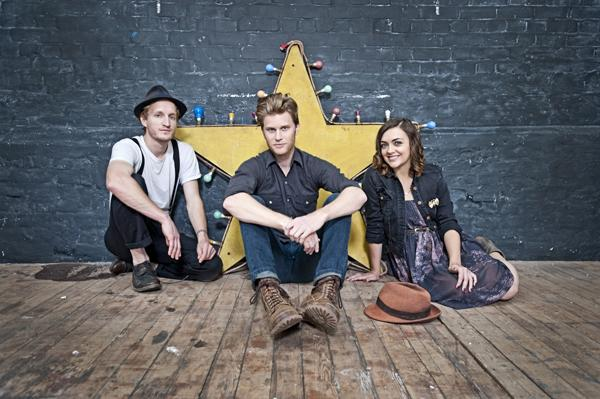 The Lumineers Serenade Grandly in 'Darlene' - Song Premiere