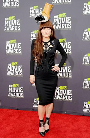 Pitch Perfect's Hana Mae Lee Wears Cigarette Butt Hat at MTV Movie Awards: Picture