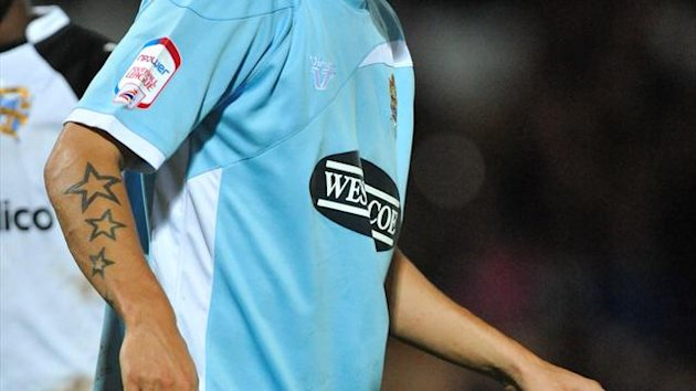 Luke Wilkinson has extended his contract with Dagenham