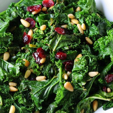 Sauteed-kale-with-cranberries-and-pine-nuts_web