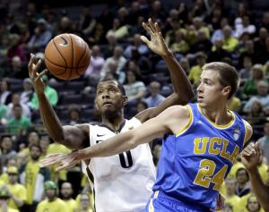 Wear hits putback and UCLA beats Oregon 70-68