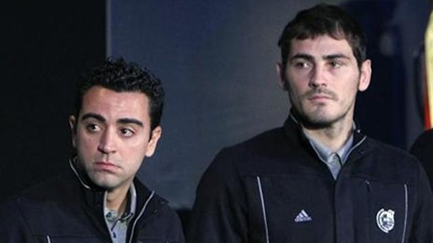 Iker Casillas Xavi Hernandez Spain
