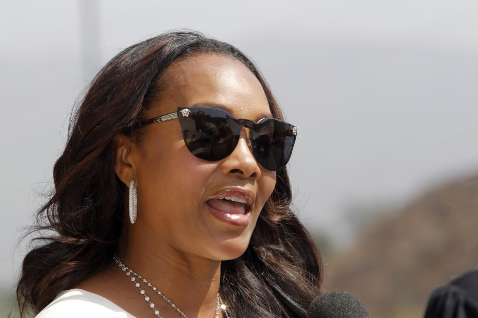 Vivica Fox arrives at the Michael Clarke Duncan Memorial Service at Forest Lawn Memorial-Park and Mortuaries in the Hollywood Hills section of Los Angeles, Monday, September 10,  2012. (AP Photo/Nick Ut)