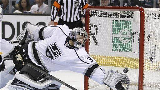Sharks beat Kings 2-1 to force Game 7