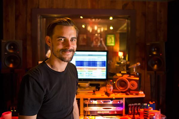 Robert Ellis Expands Beyond Country Roots