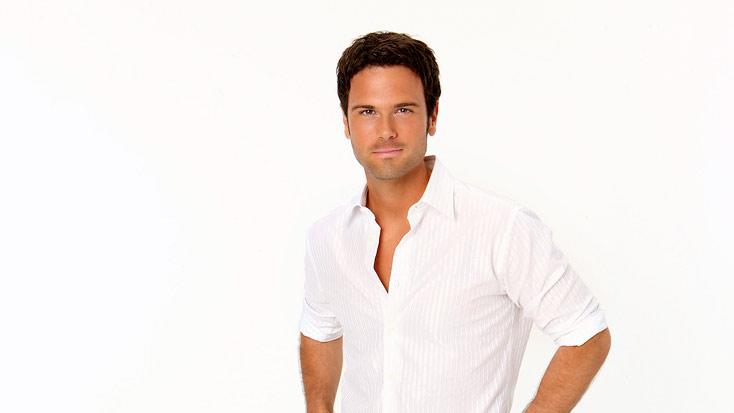 "Country singer Chuck Wicks joins the Season 8 cast of ""Dancing with the Stars."""