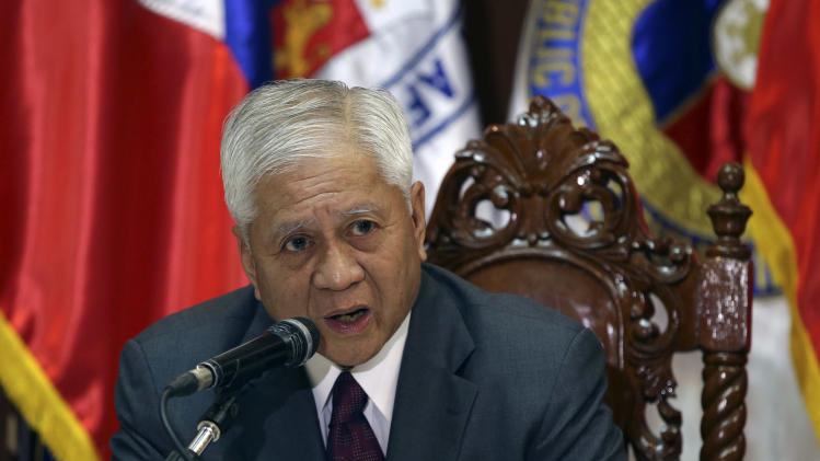 Manila negotiates larger US presence amid sea row