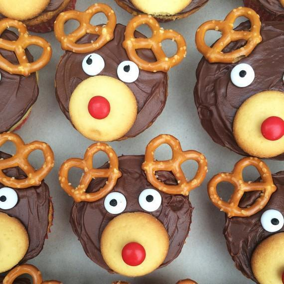 How to Make Adorable Reindeer Cupcakes