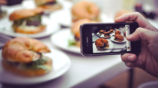 Restaurants Crack Down On Food Pics (ABC News)