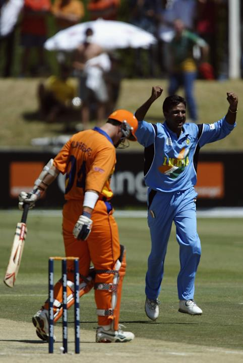 Javagal Srinath of India celebrates after claiming the wicket of Feiko Kloppenburg of Holland